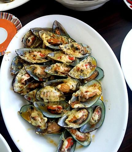 recipe Baked Mussels with Cheese